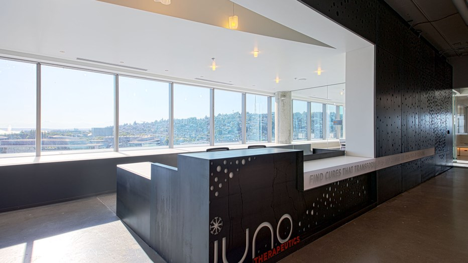 JUNO Therapeutics wanted a new, world-class headquarters and R&D center to provide flexibility for the future and create an environment of communication and collaboration. Through end-user interviews, mock-ups and brainstorming sessions, we worked as a team to realize these goals.